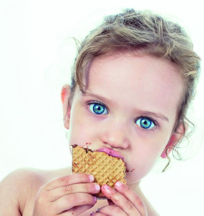 3313-marque-permanent-chocolat-2015-visuel-courverture-petit-fille